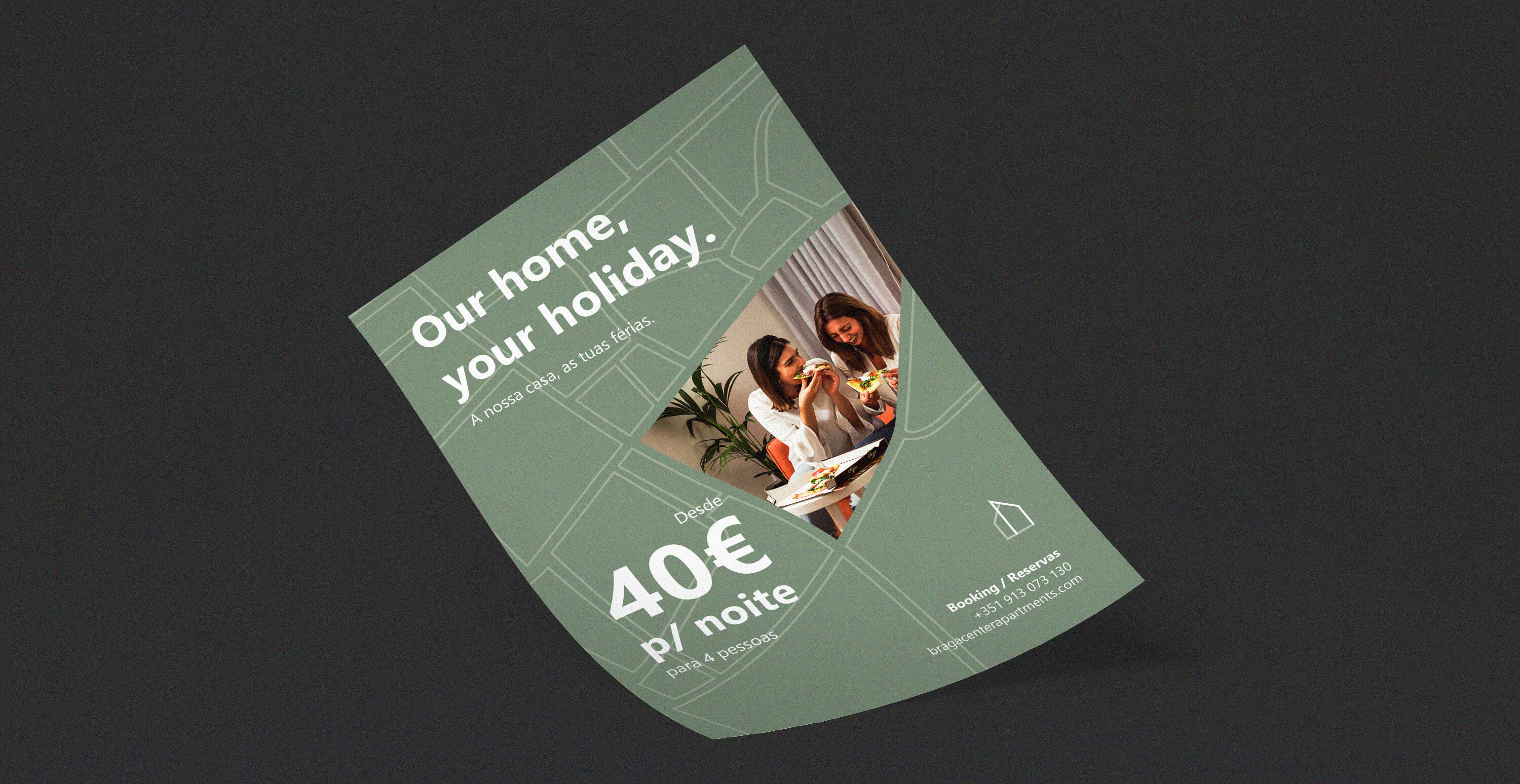 Free Hand Carry A4 Flyer MockUp PSD_NOISE